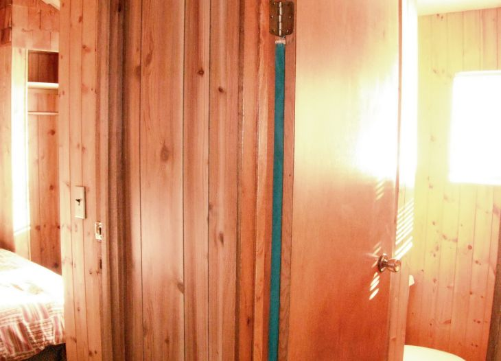 shared washroom of 5 and 6. At least its bright and lots of standing room